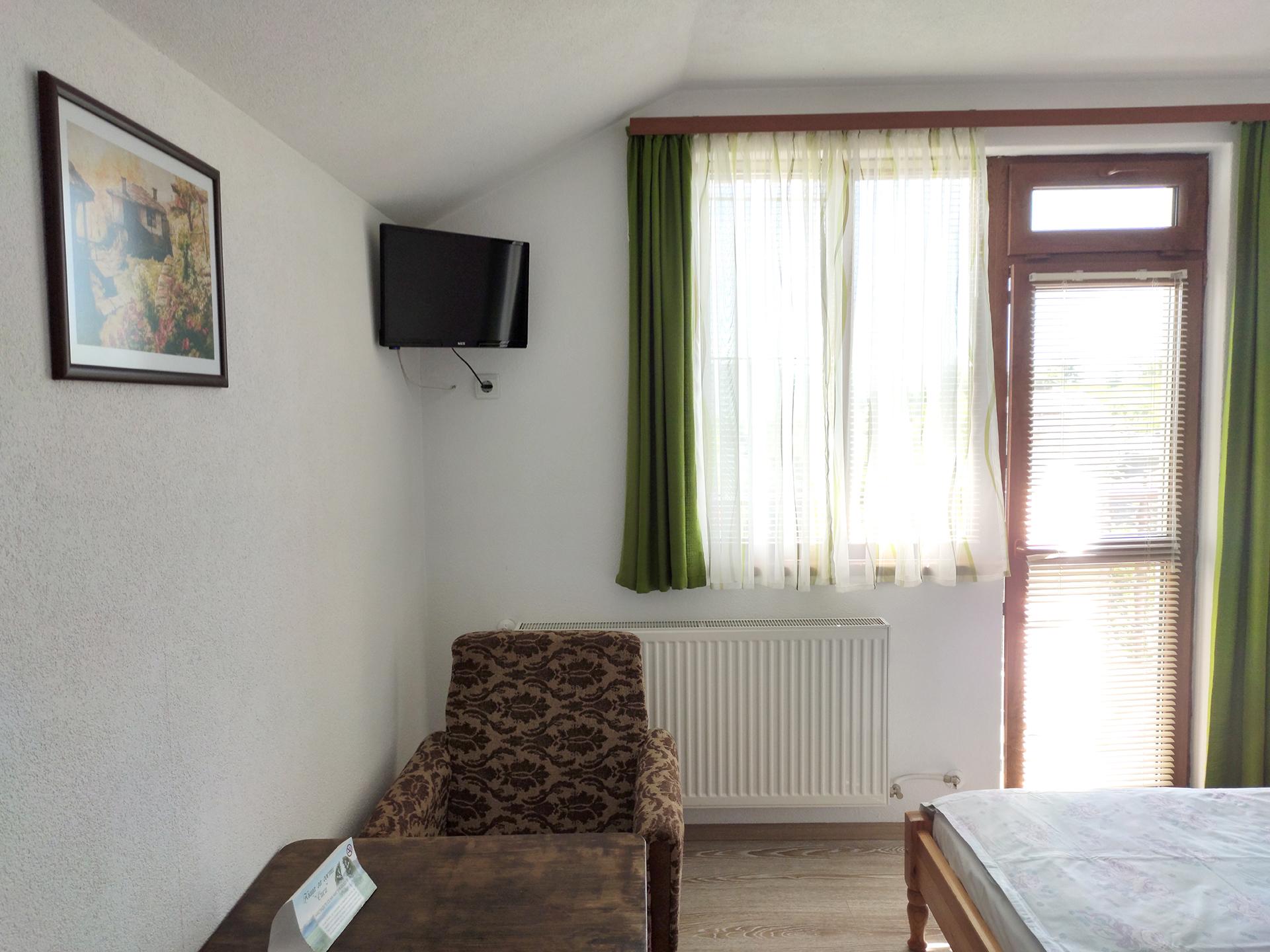 Стая 3 с телевизор и тераса